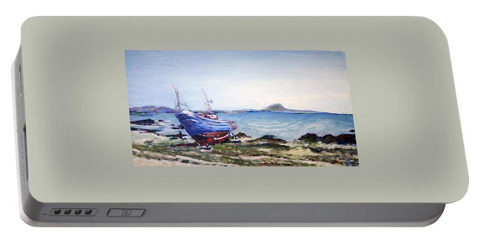 Landscape Portable Battery Charger featuring the painting Oprava Lodi by Pablo de Choros
