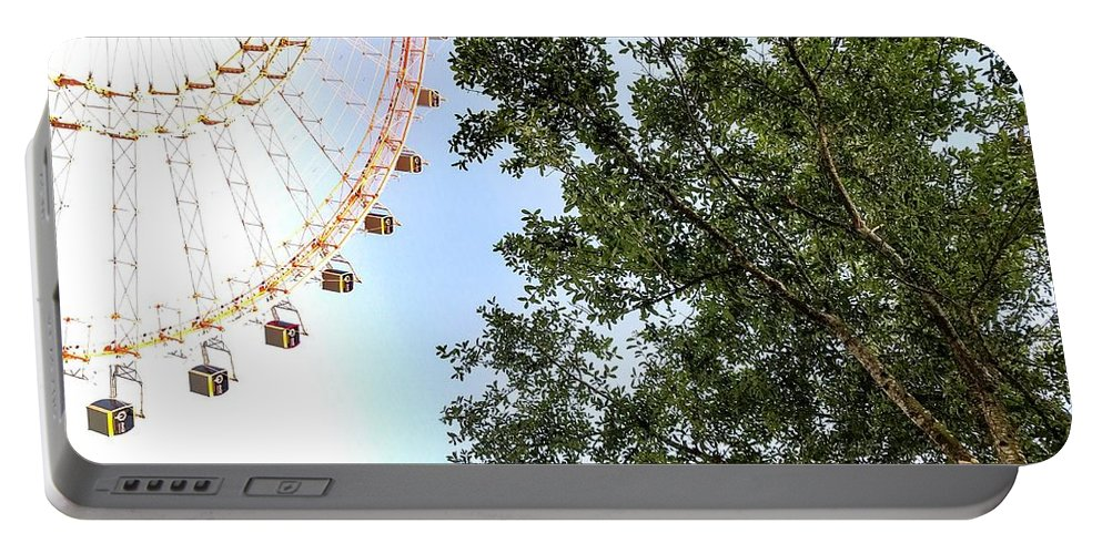 Adventure Portable Battery Charger featuring the photograph Orlando Eye by Christopher Bednarly