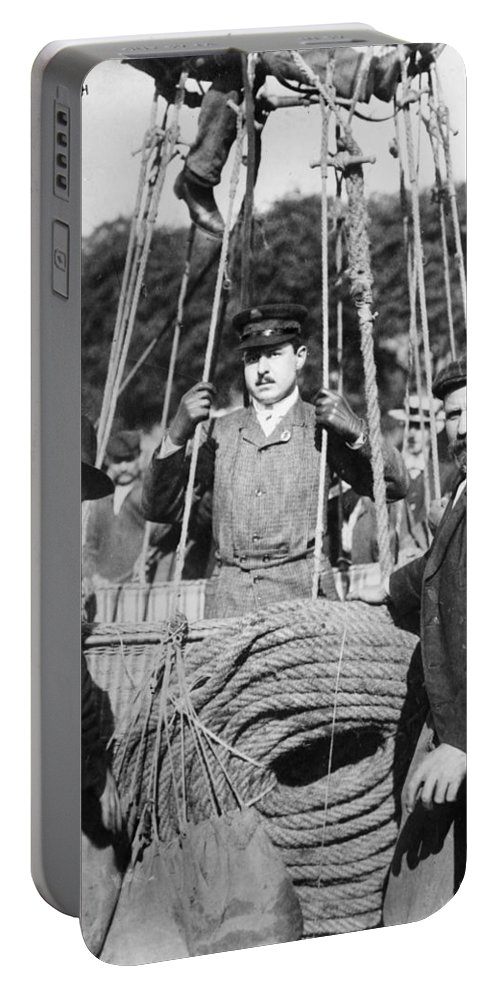1908 Portable Battery Charger featuring the photograph Oscar Erbsloh (1879-1910) by Granger