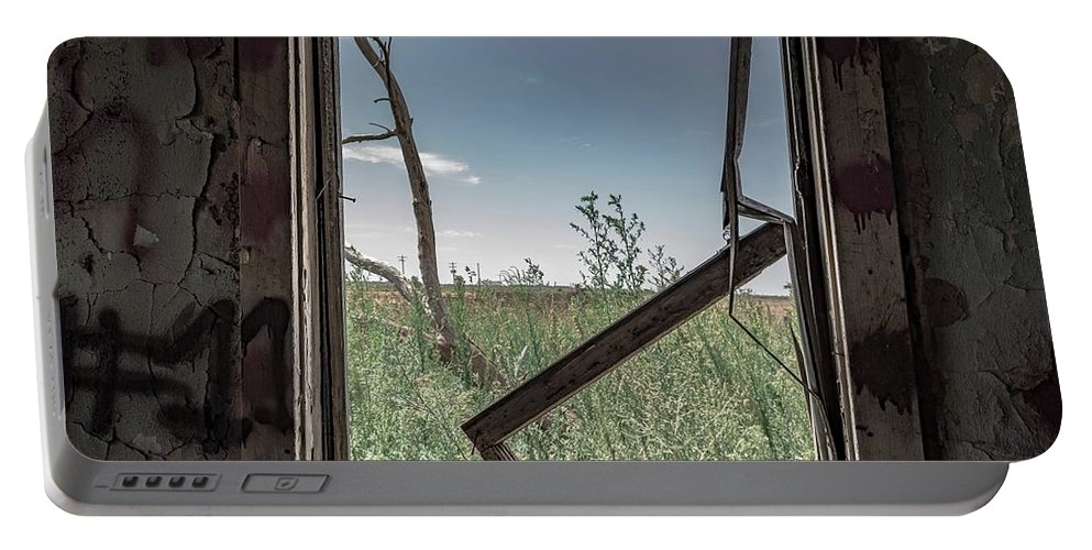 Portable Battery Charger featuring the photograph Out Overlooking A Pasture by Anthony Lindsay