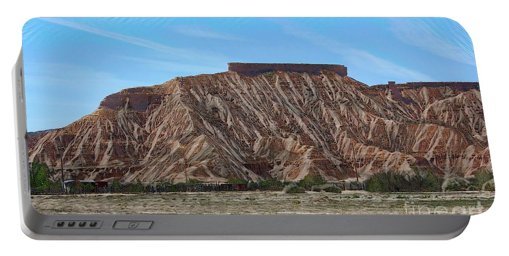 Valley Of Fire Portable Battery Charger featuring the photograph Overton Nevada Valley Of Fire by Chuck Kuhn
