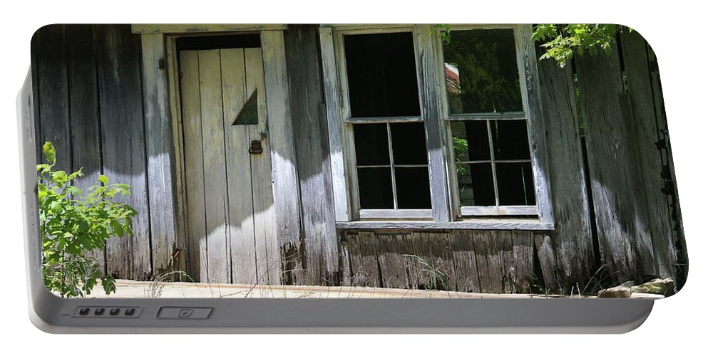 Historic Buildings Portable Battery Charger featuring the photograph Ozark Homestead by Marty Koch