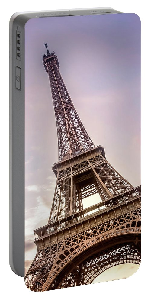 Paris Portable Battery Charger featuring the photograph Paris Eiffel Tower At Sunset by Melanie Viola