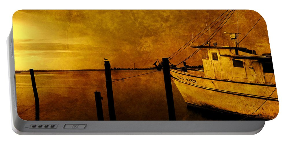 Rosa Marie Portable Battery Charger featuring the photograph Peace In The Harbor by Susanne Van Hulst