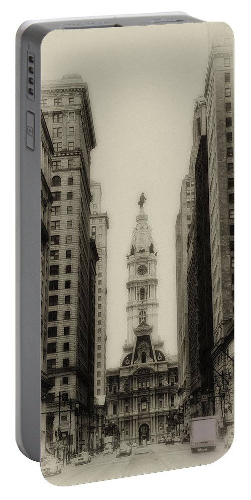 Philadelphia Portable Battery Charger featuring the photograph Philadelphia City Hall From South Broad Street by Bill Cannon