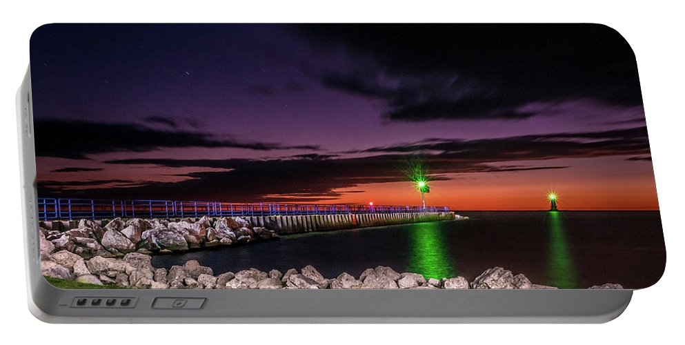 Lake Michigan Portable Battery Charger featuring the photograph Pier And Lighthouse by Lester Plank