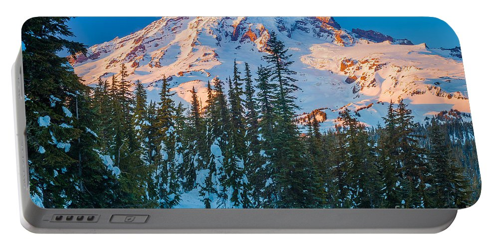 America Portable Battery Charger featuring the photograph Pinnacle Saddle Winter by Inge Johnsson