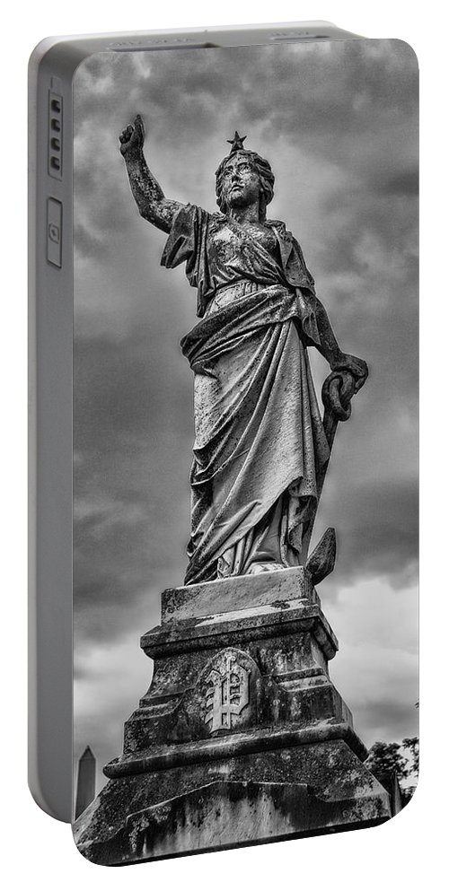 Mount Olivet Portable Battery Charger featuring the photograph Porter Monument by Diana Powell