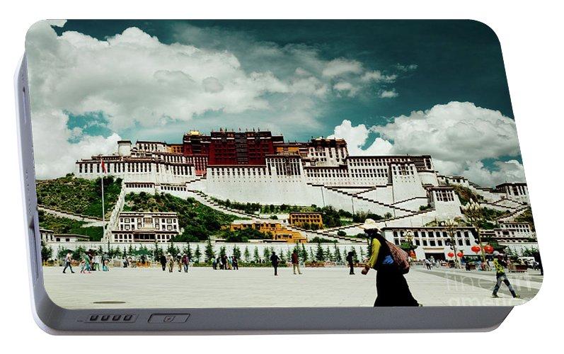 Tibet Portable Battery Charger featuring the photograph Potala Palace. Lhasa, Tibet. Yantra.lv by Raimond Klavins