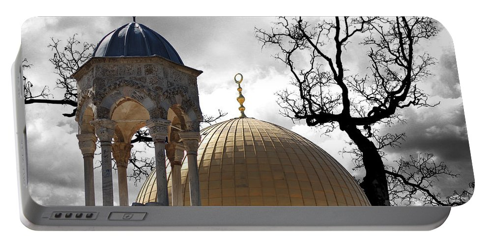 Dome Of Rock Portable Battery Charger featuring the photograph Reaching Heaven by Munir Alawi