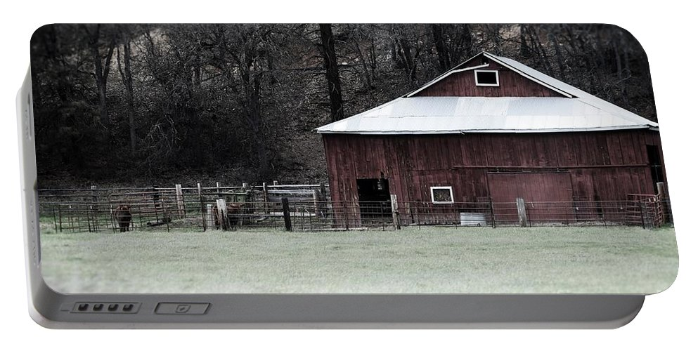 Barn Portable Battery Charger featuring the photograph Red Barn On The Drive by Lkb Art And Photography