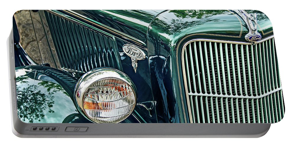 David Lawson Photography Portable Battery Charger featuring the photograph Reflecting On History by David Lawson