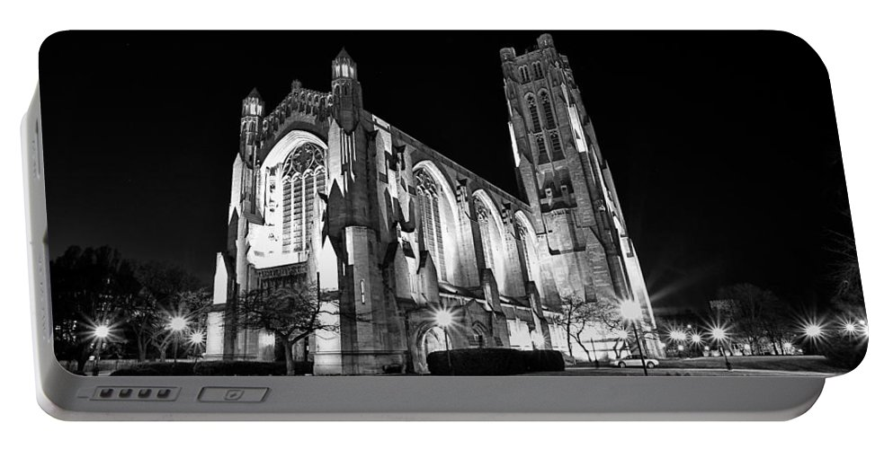 Chicago Portable Battery Charger featuring the photograph Rockefeller Chapel - B And W by CJ Schmit