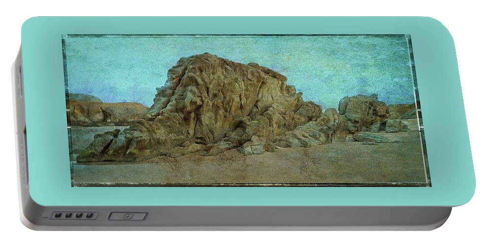 Bandon Oregon Portable Battery Charger featuring the photograph Rocks On The Beach by Thom Zehrfeld