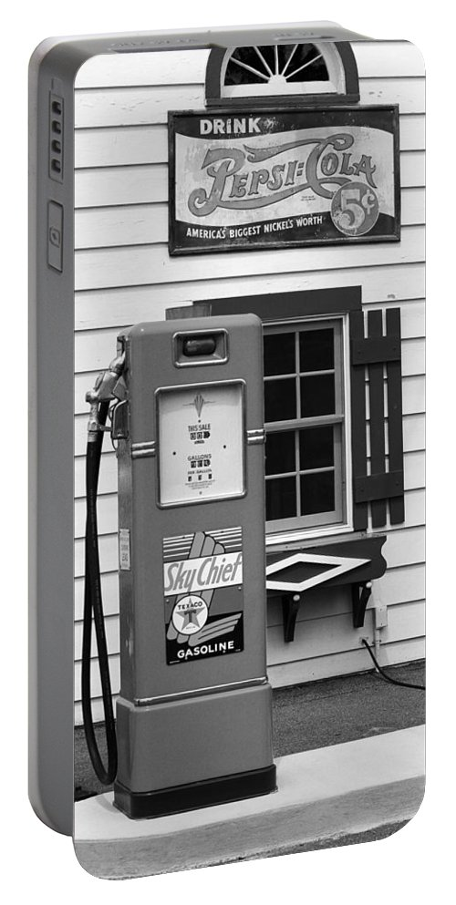 66 Portable Battery Charger featuring the photograph Route 66 - Illinois Vintage Pump Bw by Frank Romeo
