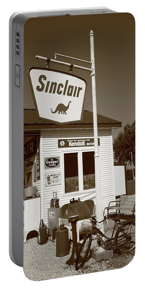 66 Portable Battery Charger featuring the photograph Route 66 - Paris Springs Missouri by Frank Romeo
