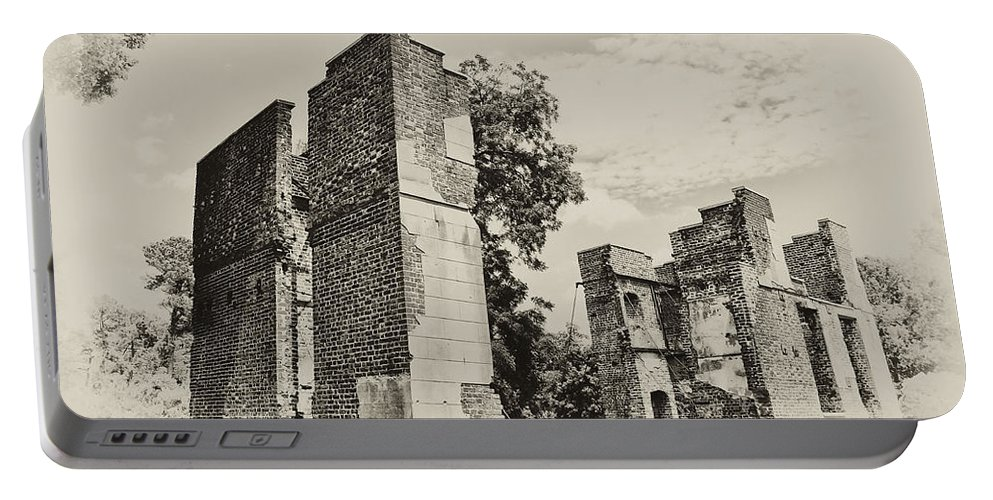 Jamestown Portable Battery Charger featuring the photograph Ruins At Jamestown by Bill Cannon