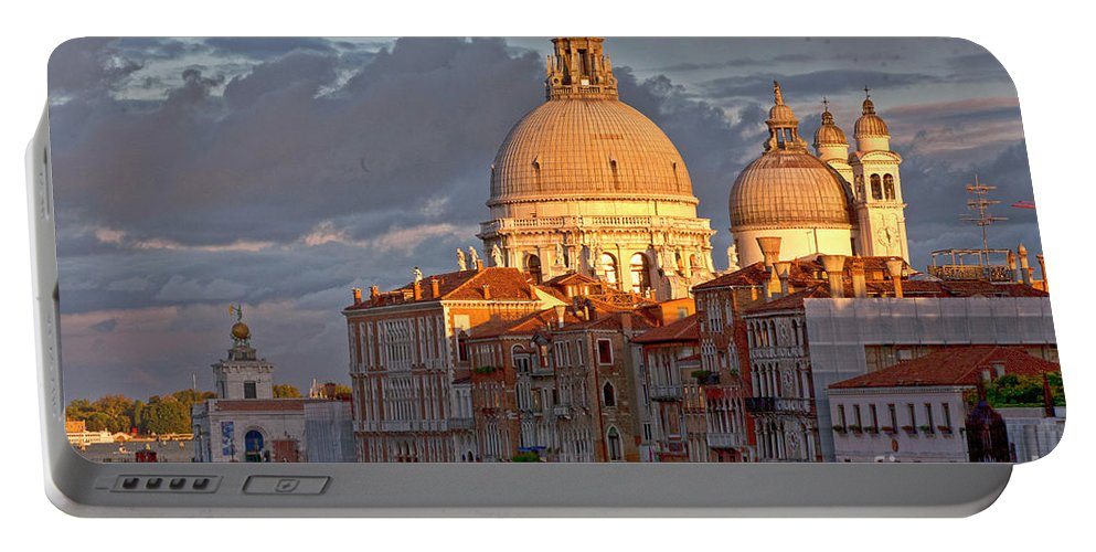 Palazzo Portable Battery Charger featuring the photograph Santa Maria Della Salute by Heiko Koehrer-Wagner