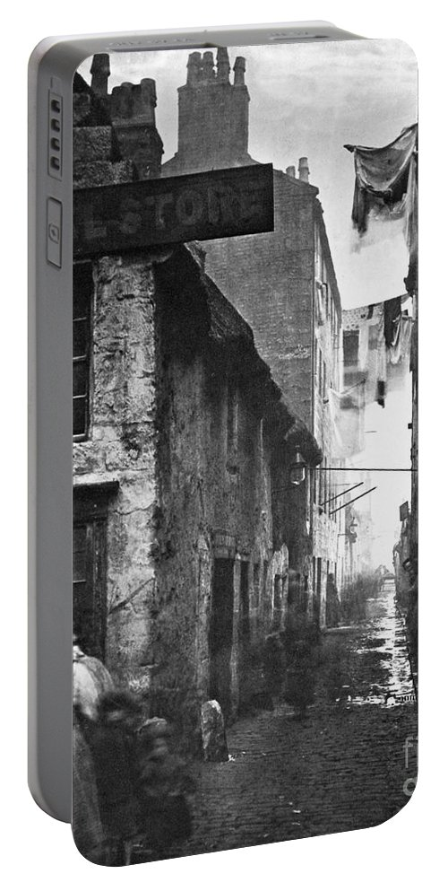 1868 Portable Battery Charger featuring the photograph Scotland: Glasgow, 1868 by Granger