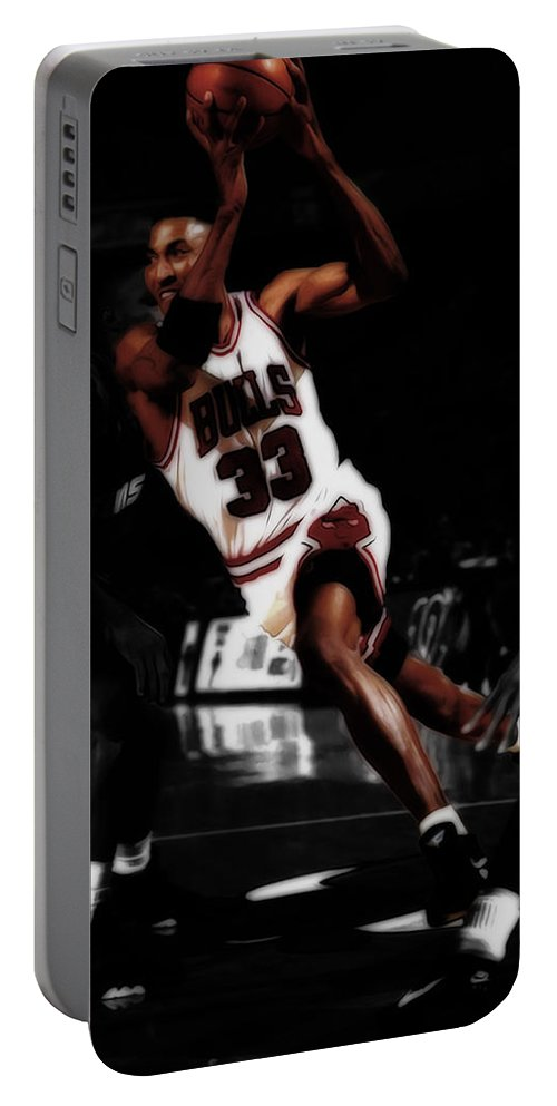 Scottie Pippen Portable Battery Charger featuring the mixed media Scottie Pippen On The Move by Brian Reaves