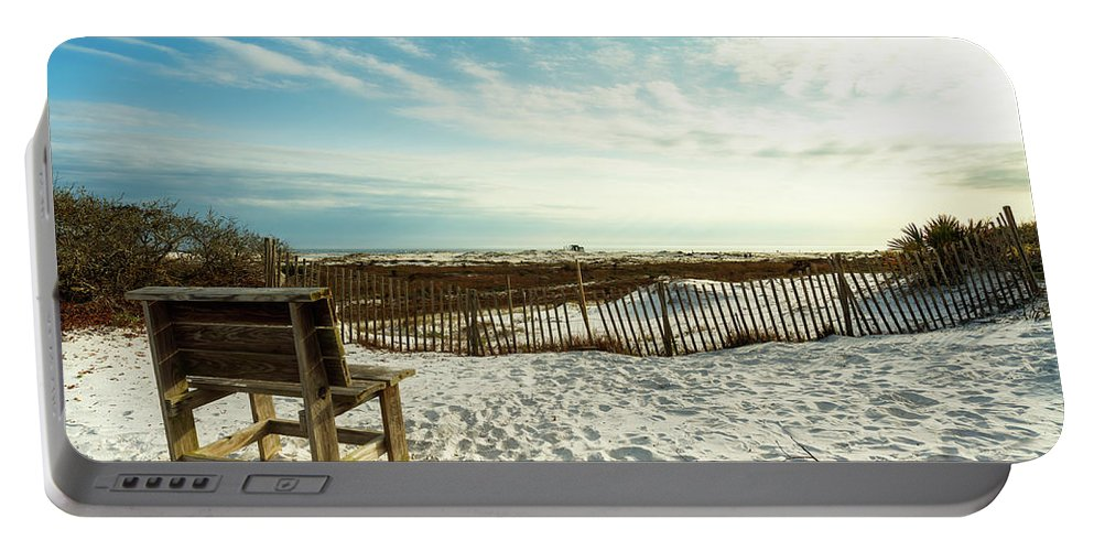 Gulf Of Mexico Portable Battery Charger featuring the photograph Seating Available by Raul Rodriguez
