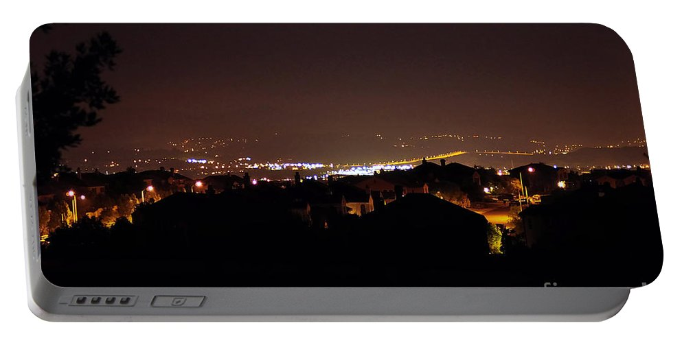 Clay Portable Battery Charger featuring the photograph Simi Valley At Night by Clayton Bruster