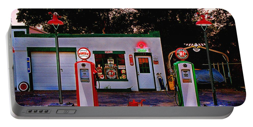 Gas Station Portable Battery Charger featuring the photograph Sinclair by Steve Karol