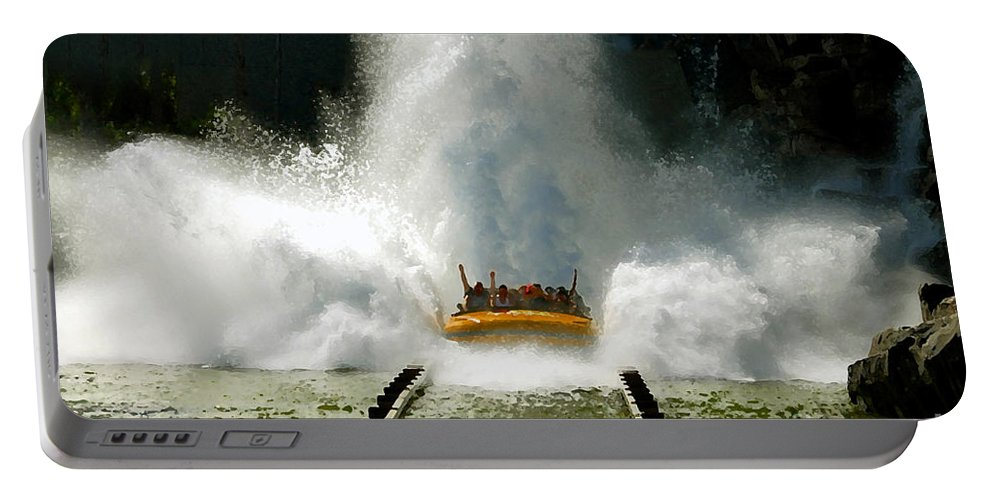 Universal Studios Portable Battery Charger featuring the photograph Splash Down by David Lee Thompson