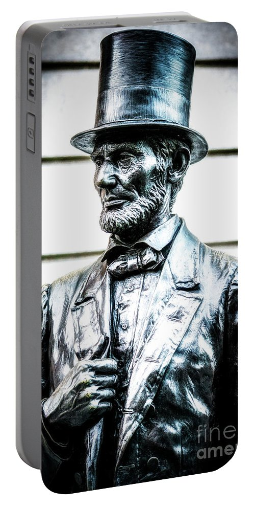 American Flag Portable Battery Charger featuring the photograph Statue Of Abraham Lincoln #8 by Julian Starks