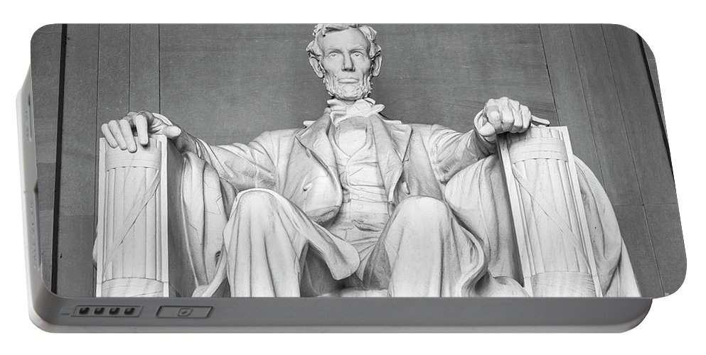 American Flag Portable Battery Charger featuring the photograph Statue Of Abraham Lincoln - Lincoln Memorial #4 by Julian Starks