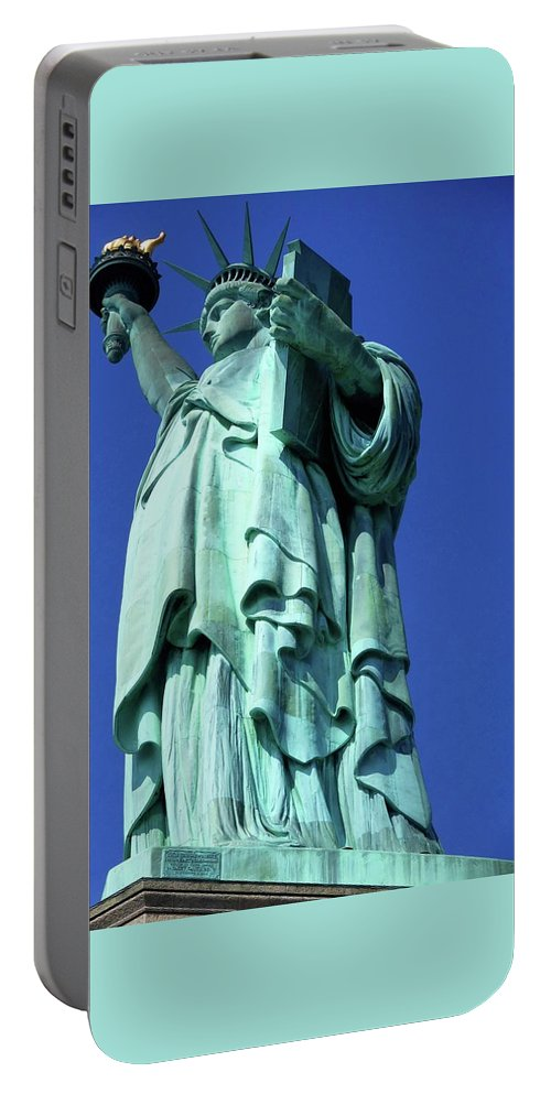 New York City Portable Battery Charger featuring the photograph Statue Of Liberty 10 by Ron Kandt