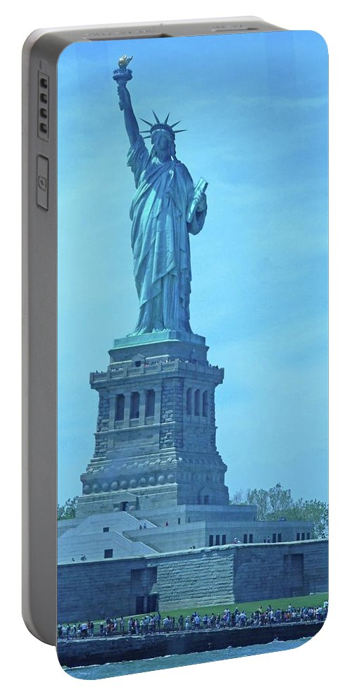 New York City Portable Battery Charger featuring the photograph Statue Of Liberty 22 by Ron Kandt