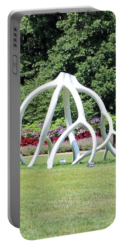Cheekwood Gardens Portable Battery Charger featuring the photograph Steelroots Sculpture by Gayle Miller
