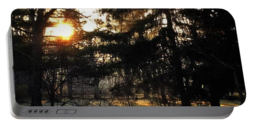 Mobileprints Portable Battery Charger featuring the photograph Sunrise Over The Fence - #illinois by Frank J Casella