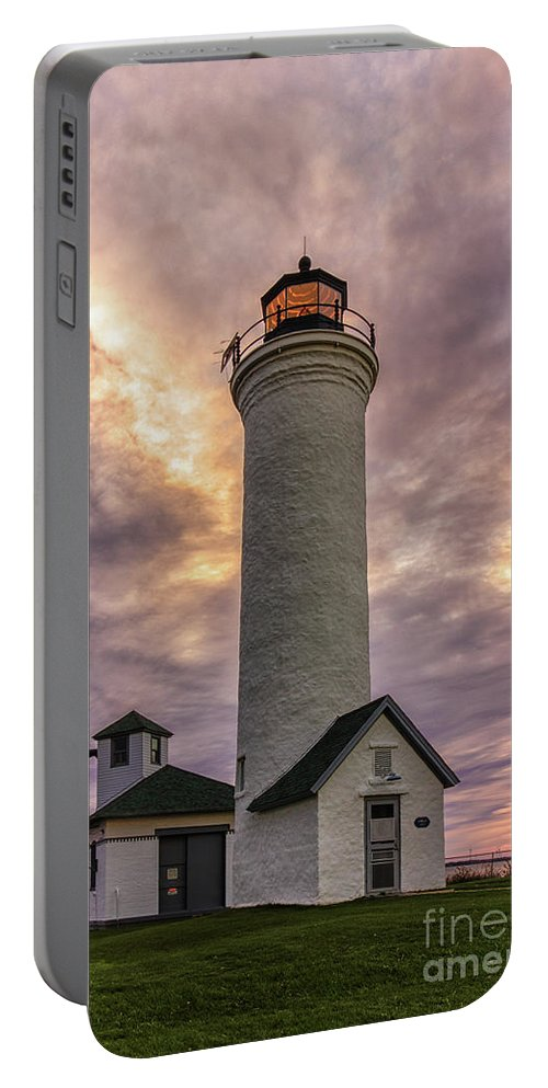 Sunset Portable Battery Charger featuring the photograph Sunset At Tibbet's Point by Rod Best