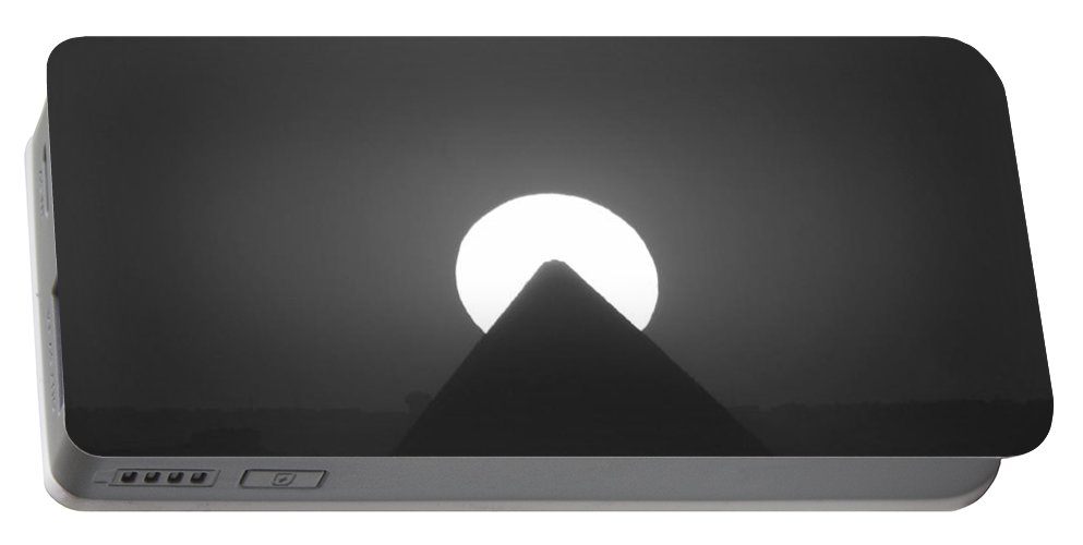 Pyramid Portable Battery Charger featuring the photograph Sunset Over Cheops by Donna Corless