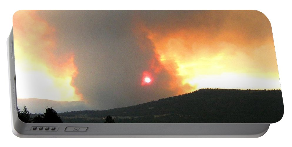 Forest Fire Portable Battery Charger featuring the photograph Terrace Mountain Fire 3 by Will Borden