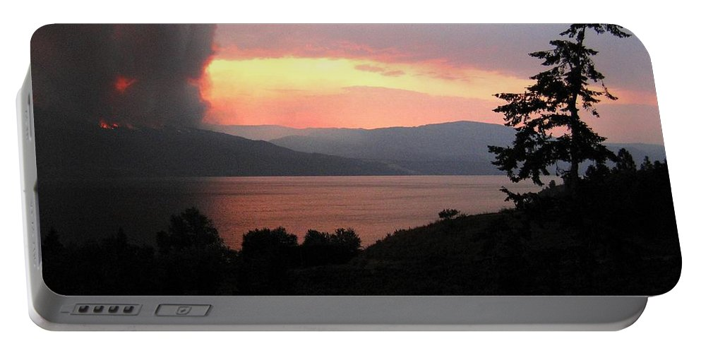 Forest Fire Portable Battery Charger featuring the photograph Terrace Mountain Fire 4 by Will Borden