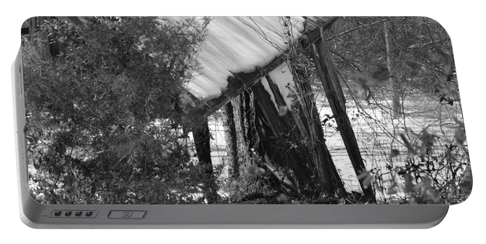 Old Shed In Black And White Portable Battery Charger featuring the photograph Texas Winter by Ed Ostrander