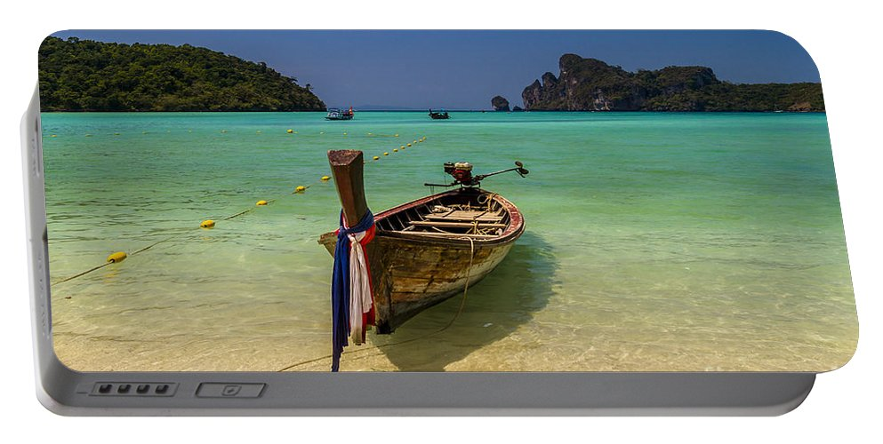 Islands Portable Battery Charger featuring the photograph Turquoise Dreams by Thomas Levine