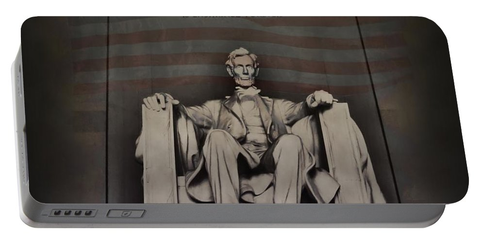Abraham Lincoln Portable Battery Charger featuring the photograph The Abraham Lincoln Memorial by Bill Cannon