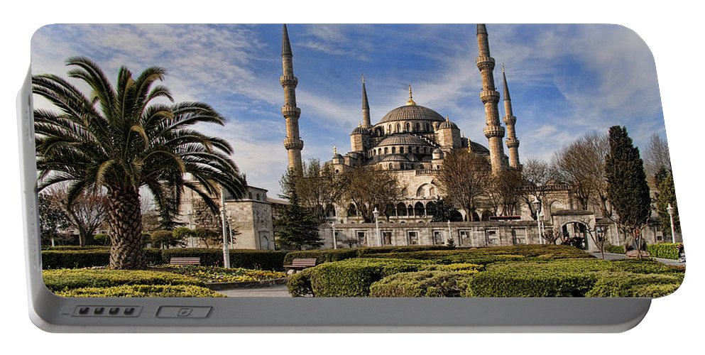 Turkey Portable Battery Charger featuring the photograph The Blue Mosque In Istanbul Turkey by David Smith
