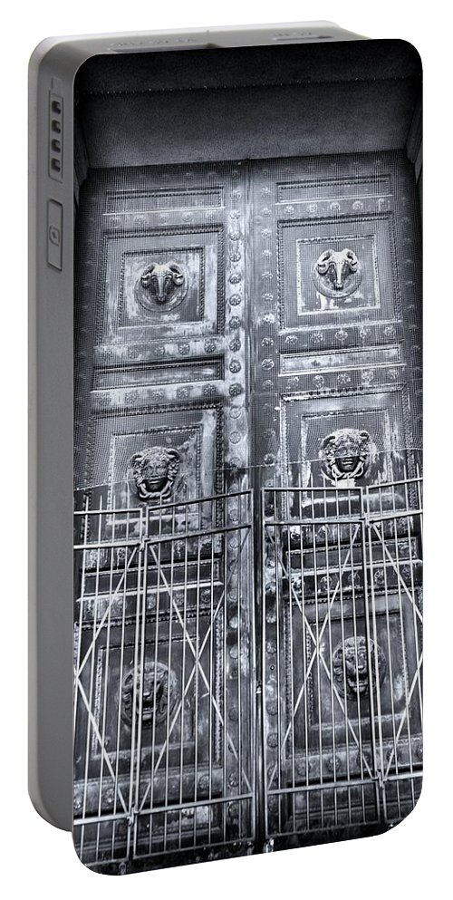 The Door At The Parthenon In Nashville Tennessee Black And White Portable Battery Charger featuring the photograph The Door At The Parthenon In Nashville Tennessee Black And White by Lisa Wooten