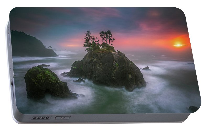 America Portable Battery Charger featuring the photograph The Oregon Coast Sunset by William Freebilly photography