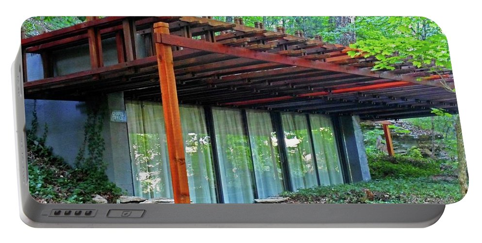 Eureka Springs Portable Battery Charger featuring the photograph Thorncrown Chapel 2 by Ron Kandt