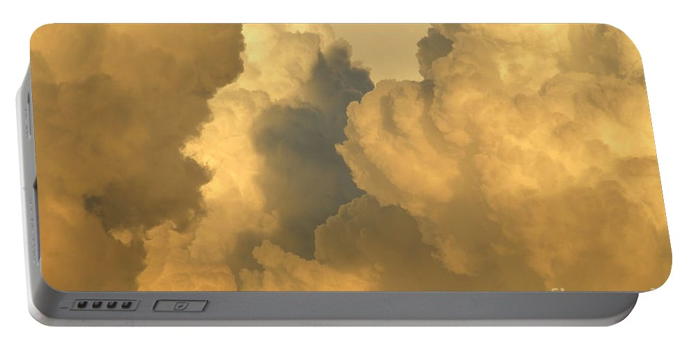 Clouds Portable Battery Charger featuring the photograph Thunder Heads by David Lee Thompson