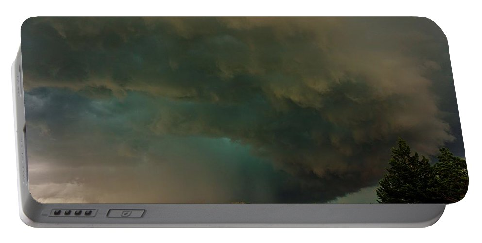 Cloud Portable Battery Charger featuring the photograph Tornadic Supercell by Ed Sweeney