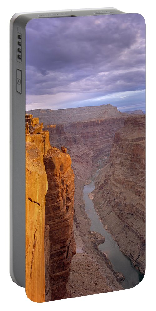 Arizona Portable Battery Charger featuring the photograph Toroweap Overlook Cliff by Leland D Howard