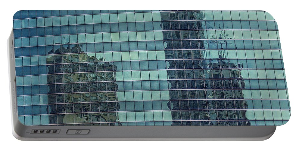 Chicago Portable Battery Charger featuring the photograph Urban Melting Pot by Donna Blackhall