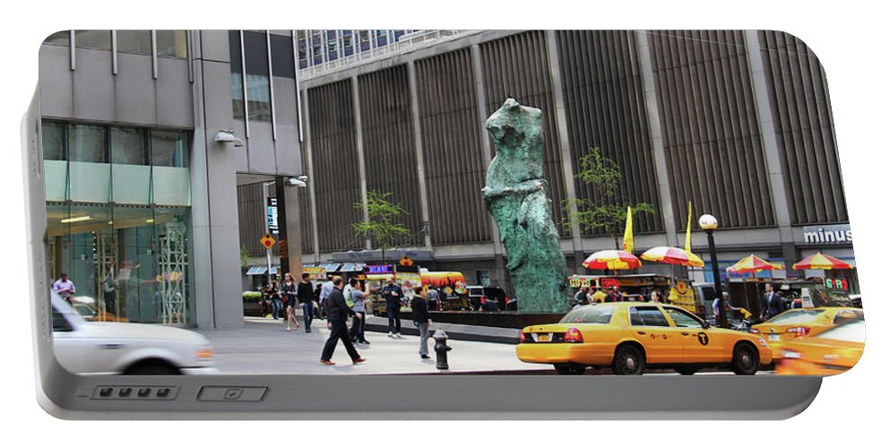 Sculpture Portable Battery Charger featuring the photograph New York's Venus De Milo by Yvonne Wright